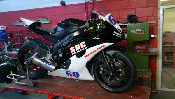 Yamaha R6 race bike
